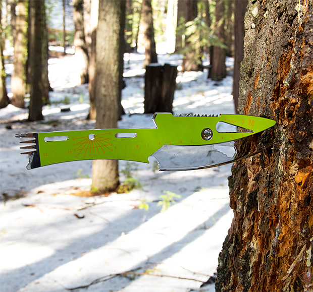 Kniper Throwing Knife Multitool at werd.com