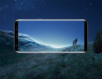 Samsung Unveils the New S8 Smartphone with Wraparound Infinity Display