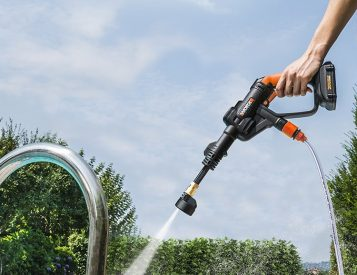 Heavy-Duty but Lightweight: WORX Hydroshot Portable Power Cleaner