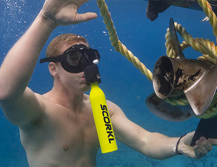 Scorkl Gives You The SCUBA Experience Without All The Gear at werd.com