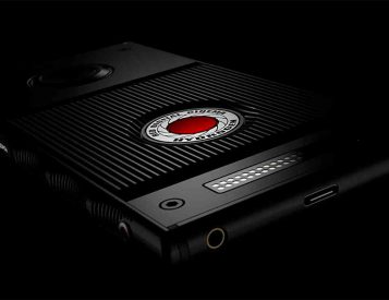 The RED Hydrogen One Smartphone Has a 3-D Holographic Display