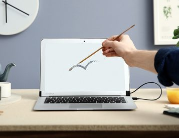 AirBar Turns Your MacBook Air into a Touchscreen