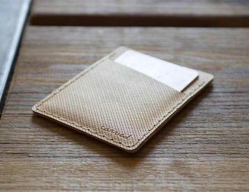 Arbor is a Slim, Flexible Wooden Wallet