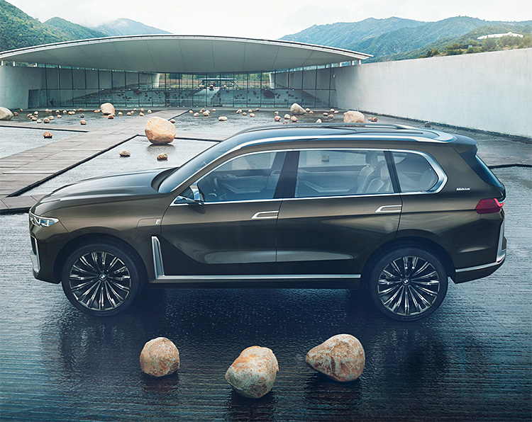 BMW Unveils Concept X7 iPerformance Luxury SUV at werd.com