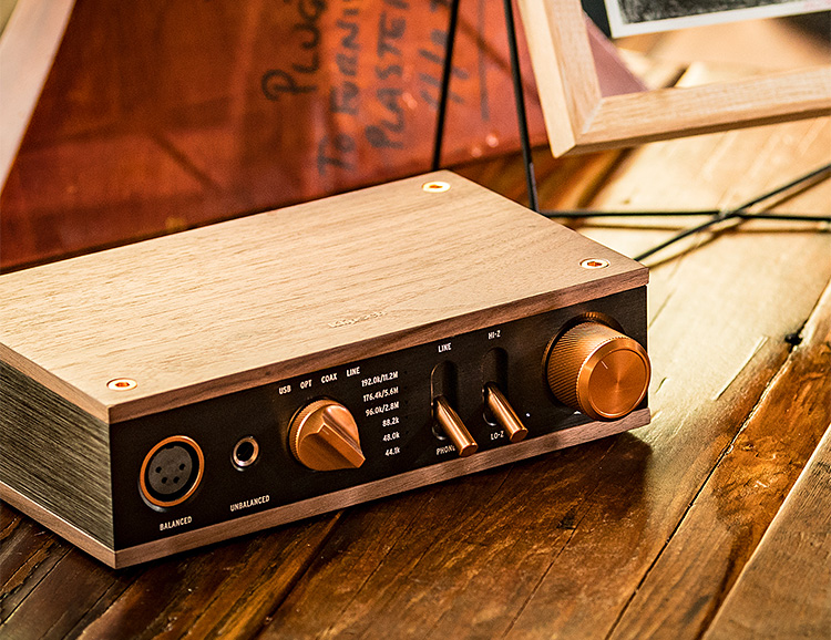 Klipsch Heritage Headphone Amplifier is a DAC & Dual Amp-In-One at werd.com