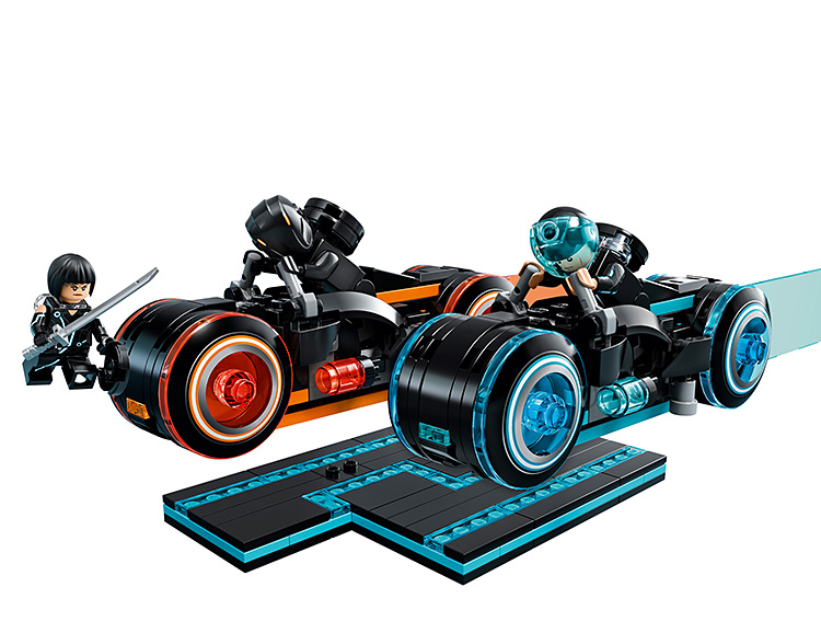 Lego Introduces a Fresh <i>Tron: Legacy</i> Set at werd.com