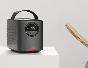 This Android Portable Projector Plays All Kinds Of Content