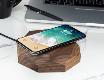 This Wireless Charger is Made of Wood, Looks Good