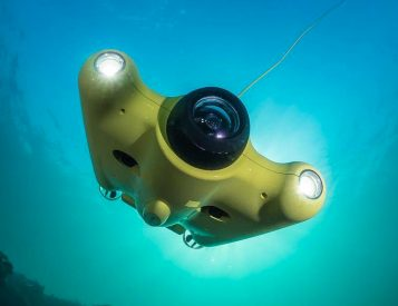 The Gladius Drone Dives Deep & Captures All The Underwater Action