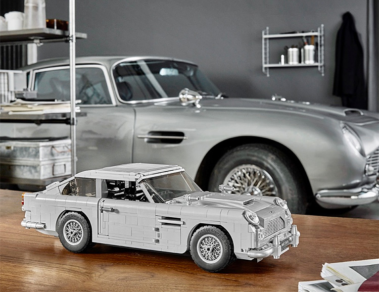 Build James Bond's Iconic '64 Aston Martin at werd.com