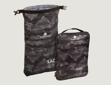 Eagle Creek's Pack-It Active Essential Set Keeps Your Luggage Organized