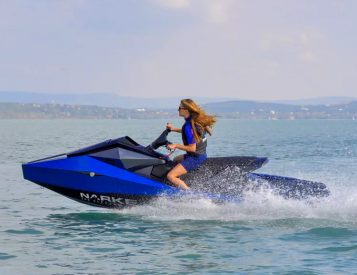 The Electrojet PWC will Make You the Least Annoying Rider on the Lake